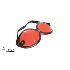 Avalon - ESCAPE - Blindfold med nagler Rød og Sort