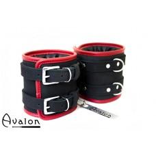 Avalon - CONTROL - Ekstra brede fotcuffs sort og rød