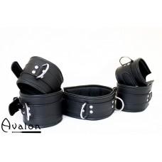 Avalon - Cuffs og collar sett sort