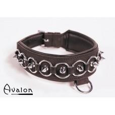 Avalon - Collar med spisse nagler, ringer og D-ring  - Sort
