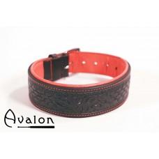 Avalon - Collar med nydelig mønster - Sort og Rød